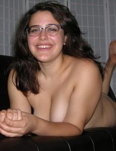 amateur-girl-bella-d-glasses2true-amateur-models
