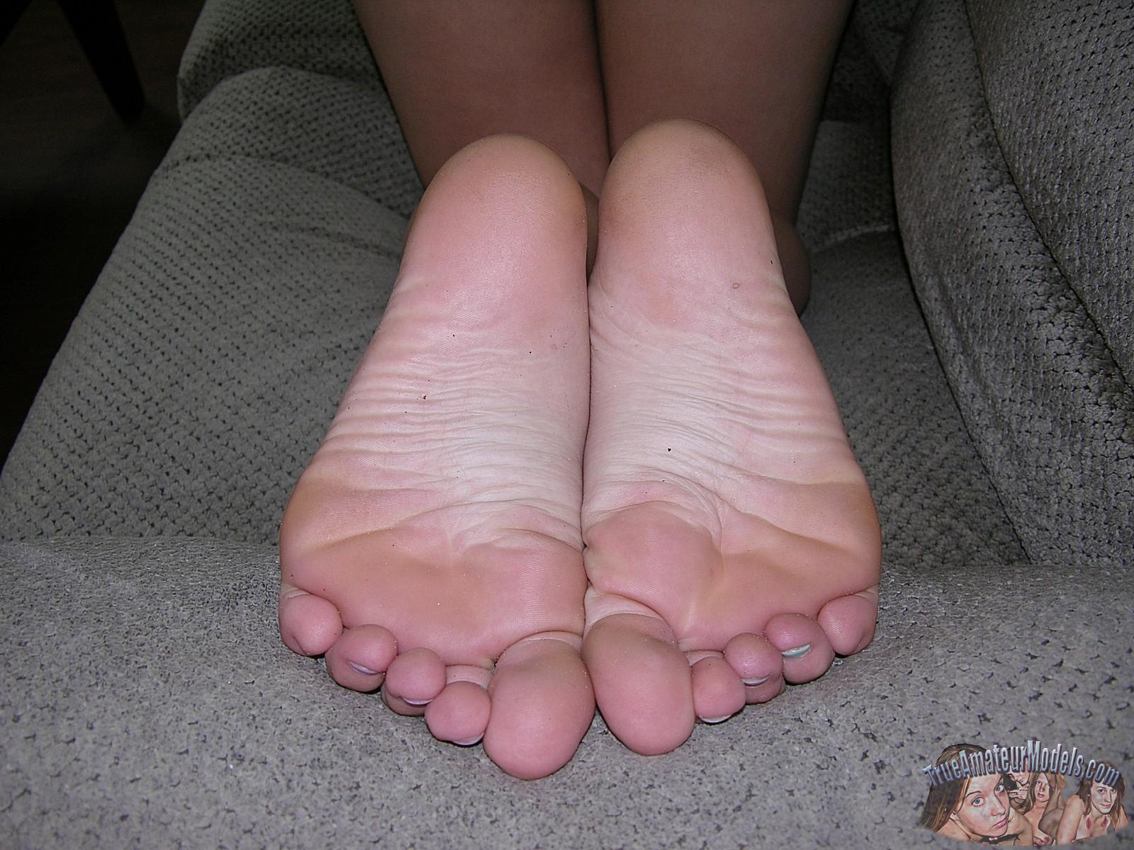 ass-foot-fetish-pics-trueamateurmodels-anna11