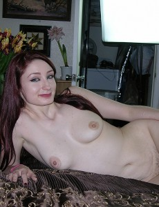 hairy-pussy-redhead-violet-model10