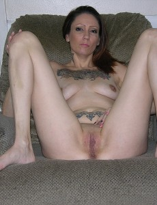 nude-tattooed-biker-babe14