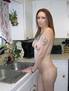 nude-tattooed-biker-babe5