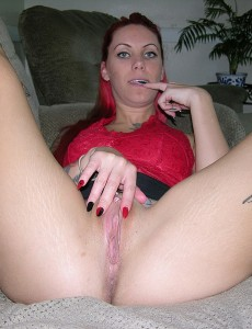 nude-tattooed-modeling-redhead3